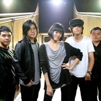 ฟังเพลง รักไม่ต้องการเวลา - Klear (เคลียร์) (ฟังเพลงรักไม่ต้องการเวลา)   เพลงไทย